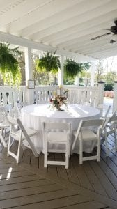 patio round table setting